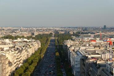 """Piosenka """"Les Champs-Élysées"""" – Joe Dassin"""